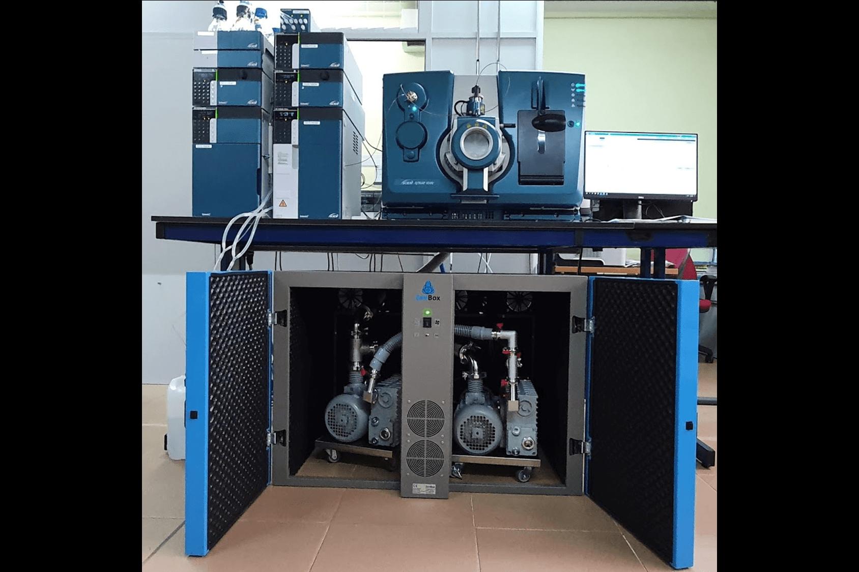 doble soundproof enclosure quiet for two ms40+ vacuum vane pumps absciex qtrap 6500 easy acces