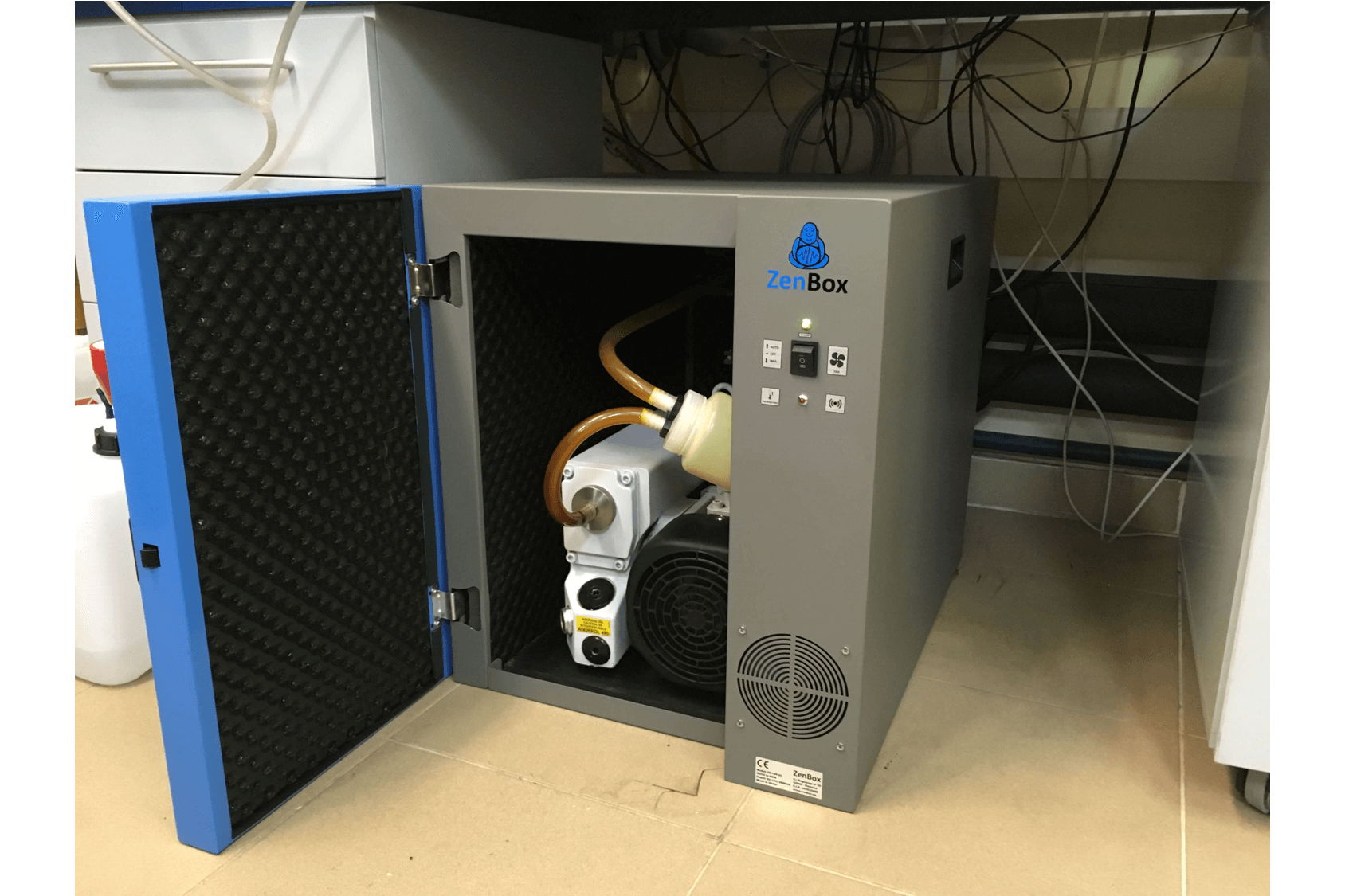 noise reduction enclosure for one leybold sogevac sv40bi oil sealed vacuum pump