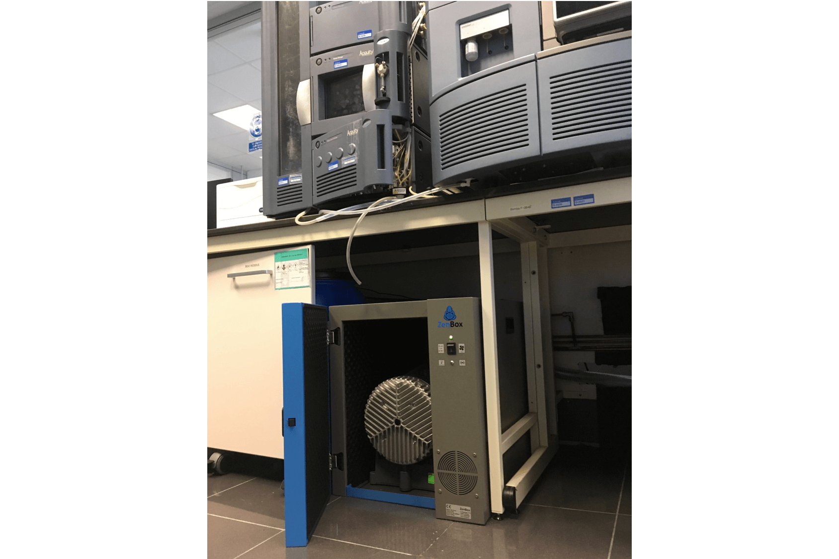 noise reduction enclosure for one boc edwards xds35i dry scroll pump