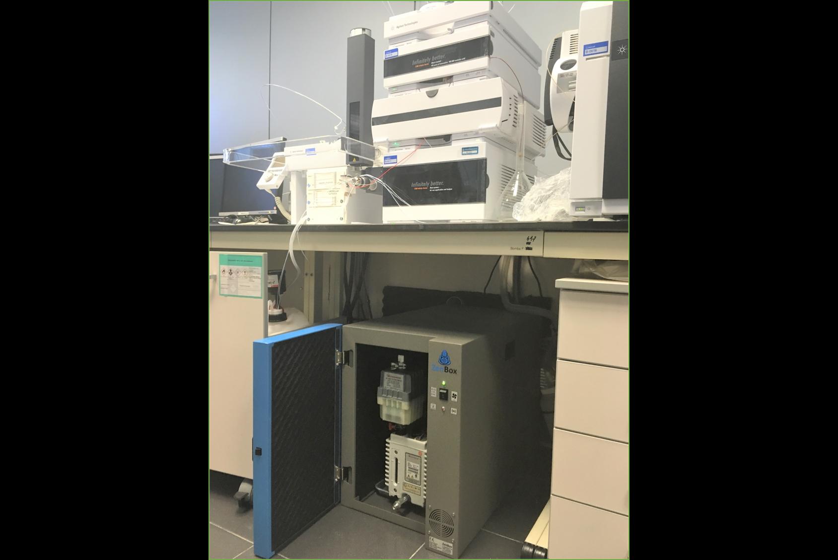 noise reduction enclosure for one boc edwards E2M28 rotary vane vacuum pump